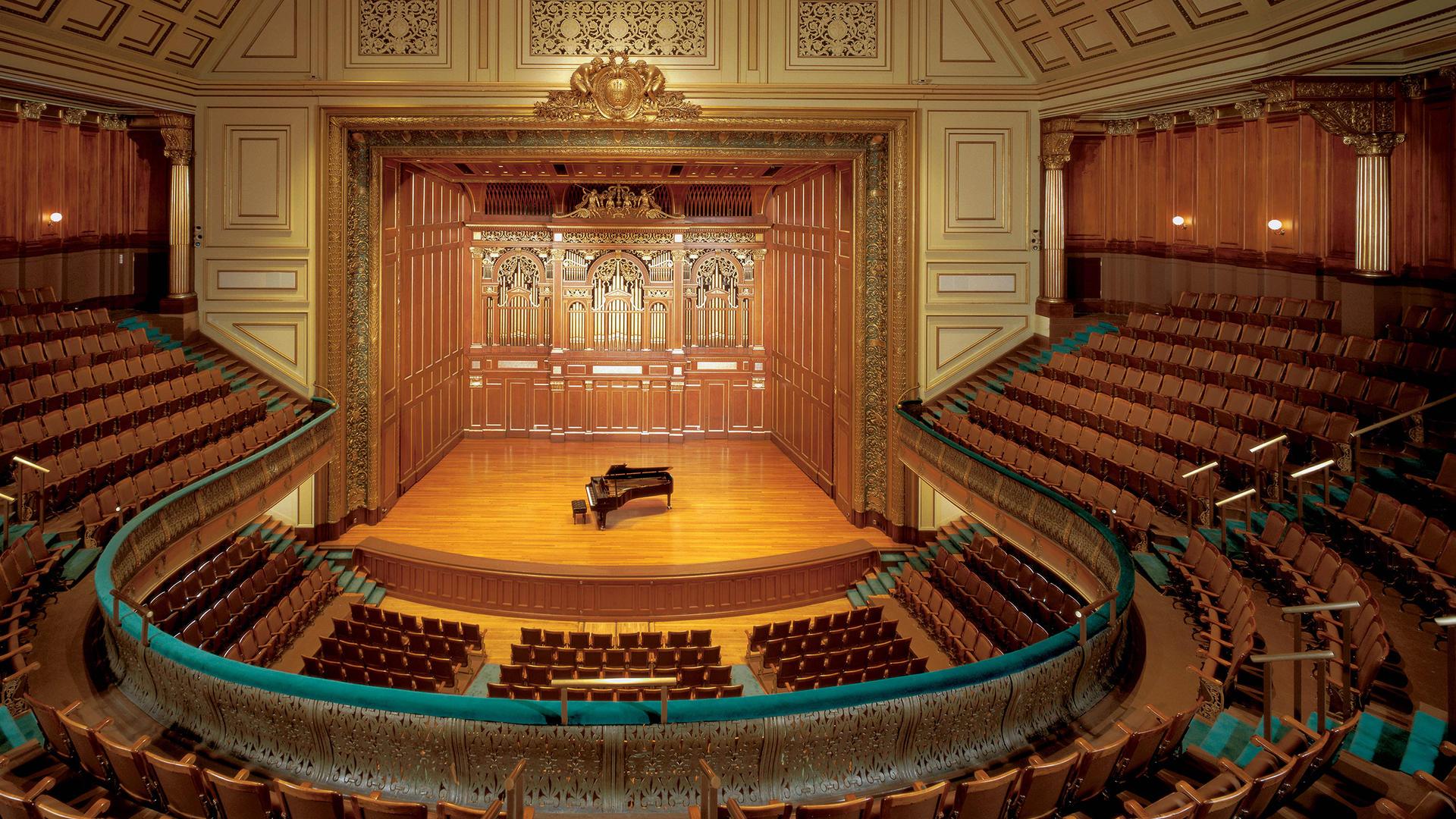 新英格兰音乐学院(The New England Conservatory)是美国一所历史悠久的学院,以严谨的学科制度和创新型的协作方式而闻名。今天小编来带大家看看新英格兰音乐学院一年学费要多少?学费贵吗?